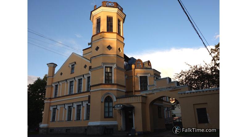 Truveller house in Peterhof