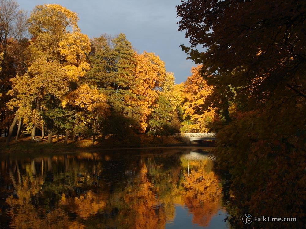 Golden autumn in St.Petersburg